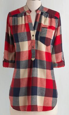 Log Lady : Bonfire Stories Tunic in Red Plaid. Your pals huddle around you, fascinated and filled with suspense as you orate beside the crackling fire in this red, ecru, and navy-blue plaid top. Mode Style, Style Me, Plaid Tunic, Plaid Shirts, Fall Tunic, Tartan Shirt, Red Tunic, Cotton Shirts, Red Shirt