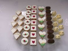 Svatební cukroví , Svatební dorty | Dorty od mamy Christmas Baking, Christmas Cookies, Sweet Bar, Lego Cake, Wedding Sweets, Small Cake, Confectionery, Yummy Cakes, Afternoon Tea