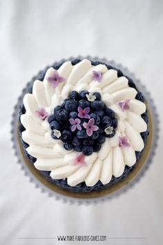 Blueberry Cream Cake By Make Fabulous Cakes Blueberry Cream Cake Recipe, Blueberry Cake, Cake Filling Recipes, Cake Recipes, Dessert Recipes, Cake Decorating For Beginners, Cake Decorating Techniques, Decorating Ideas, Desserts For A Crowd