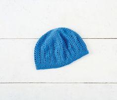 Chapeau de dentelle pour femmes crocheté avec Woolike de Loops & Threads