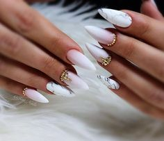 Pointy nails can look scary and dangerous if you do not know the ways to handle them. Fear no more, we know the best designs to tame this shape! Taupe Nails, Matte Stiletto Nails, Maroon Nails, Black Acrylic Nails, Pointy Nails, Glam Nails, Beauty Nails, White Nails, Diy Nail Designs