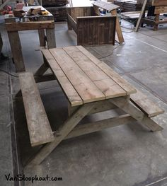 Tuinbank van steigerhout. Leuk voor in de tuin #picknickbank #picknick #sloophout