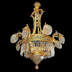 Vintage Corner Karmela: Crystal Chandeliers, a must always fashionable.