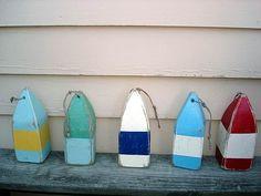 Coastal Living, Coastal Decor, Lake Decor, Backyard Renovations, Nautical Wedding Theme, Look Vintage, Maine House, Old Things, Vintage Fashion
