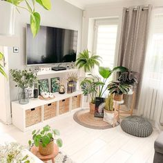 Boho Living Room, Home And Living, Plants In Living Room, Aesthetic Room Decor, Living Room Inspiration, My New Room, House Rooms, Apartment Living Rooms, Living Room Designs