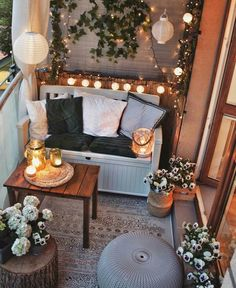 Small Balcony Design, Small Balcony Decor, Balcony Ideas, Apartment Balcony Decorating, Apartment Balconies, Diy Apartment Decor, Design Balcon, Cozy House, Room Inspiration
