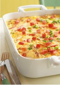 Crustless Bacon and Cheese Quiche – Fresh green onions, mushrooms and tomatoes team up with eggs, bacon, sour cream and cheese for a mouthwatering quiche without the fuss of the crust.