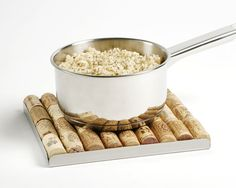 From my Fancy boards - Bakus wine corck trivet / alternative use of corks !