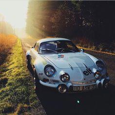 Beyond The Moonlight Old Sports Cars, Classic Sports Cars, Sport Cars, Classic Cars, Bugatti, Lamborghini, Ferrari, Us Cars, Race Cars