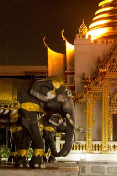 Bangkok, Thailand...GOING THERE NEXT YEAR!!!! AHH!!!!!