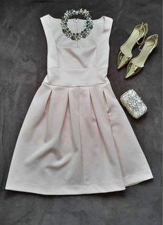 Kup mój przedmiot na #vintedpl http://www.vinted.pl/damska-odziez/krotkie-sukienki/17353122-sukienka-midi-kloszowana-jasnorozowa-nude-wizitowa-wesele-nudemididress-skaterdress