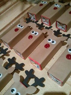 Reindeer fruit juice for Drew's class (Based on the Reindeer Chocolate bars I've seen on pinterest). Used Silhouette machine for ears & antlers