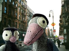 Jazz-crow pattern – the ageing young rebel - Amigurumi Crochet Animals - doitory Crochet Birds, Knit Or Crochet, Cute Crochet, Crochet Animals, Crochet Toys, Tutorial Amigurumi, Crochet Patterns Amigurumi, Tutorial Crochet, Tier Zoo