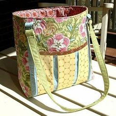 "click here for the free quilted bag pattern Ambrosia Bag by Amanda Murphy This complimentary bag design features fabrics in the ""Ambrosia"" collection by Amanda Murphy for Robert Kaufman Fabrics. It is"