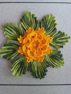 Crochet Flowers, Cactus Plants, Santa, House, Crochet Leaves, Red Roses, Valentines Day Weddings, Carpet, Fabric Flowers