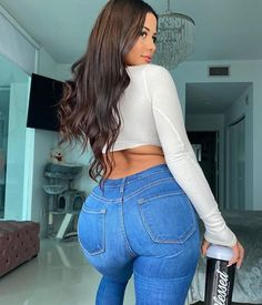 Curvy Girl Outfits, Sexy Jeans, Girls Jeans, Sexy Dresses, Gorgeous Women, Beauty Women, Sexy Women, Photos, Instagram