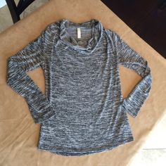 TeenLo Long sleeve sweater top. TeenLo Long sleeve sweater top. Marled black & varied shades gray pattern. Excellent like-new condition. TeenLo Sweaters