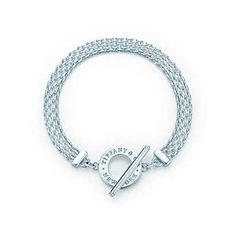 Tiffany Somerset™ toggle bracelet in sterling silver, medium. | Tiffany & Co.
