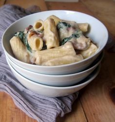 Cauliflower alfredo sauce - vegan, low carb, high protein, flour free. Use soy beans to lower the carbs further.