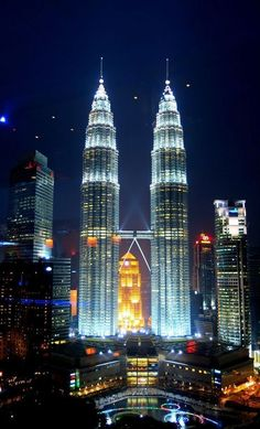 Malaysia Travel, Singapore Travel, Asia Travel, Kuala Lumpur, Beautiful Buildings, Beautiful Places, Penang, Travel Around The World, Around The Worlds