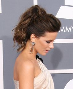 Kate Beckinsale rocks a pretty ponytail