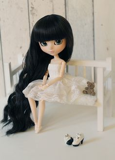 https://flic.kr/p/qmF3uq | Hard work always pays off. | [Rose - Pullip Ddalgi]  Little Rose is my first doll to try out my new bench and diorama, all handmade by me  :) I can't wait to use the diorama for my other girls too since it suits every size doll I have ! ♥