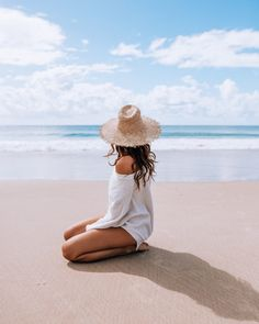 Find out about the highs and lows in my life as a travel content creator and travel influencer in 2019 plus my business and personal goals for Beach Photography Poses, Summer Photography, Abstract Photography, Beach Shoot, Beach Trip, Cute Beach Pictures, Beach Instagram Pictures, Sand Pictures, Travel Pictures Poses