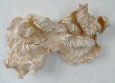 Peter Gentenaar, paper sculpture 2014-2 Ride the waves 200 x 150 x 60 cm