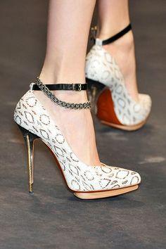 Ankle Chain Pumps - Lanvin