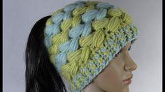 Czapka modna na zimę na szydełku, czapka z dziurką na włosy 1/2 4K