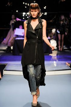 See the complete Jean Paul Gaultier Spring 2014 Ready-to-Wear collection.