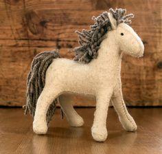 Waldorf horse  felt horse  Waldorf toy  Ponny  White by naronka