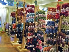 Twisted Yarn Store, in Portland Yarn Display, Craft Show Displays, Display Ideas, Wool Shop, Yarn Shop, Market Stall Display, Le Shop, Yarn Storage, Craft Stalls