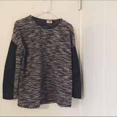 LF Salt and Pepper Sweater w/ Leather Sleeves Black and white LF pullover sweater with leather detailing on the sleeves super comfy with no damages LF Sweaters Crew & Scoop Necks