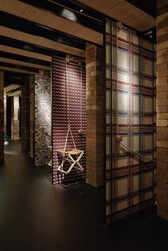 hermes-installation-milan-03.jpg