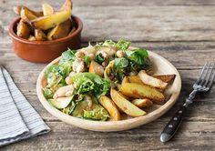 Salade van gegrilde courgette, geitenkaas en peer met kikkererwten