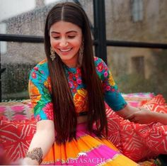 Anushka Sharma's mehndi party bridal lehenga was so colourful and vibrant. Loved the summery vibes and colour play. Designed by none other than Indian designer maestro, Sabyasachi. Mehndi Outfit, Mehndi Dress, Lengha Dress, Saree Blouse, Indian Wedding Outfits, Bridal Outfits, Indian Outfits, Indian Clothes, Indian Dresses