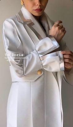 Street Hijab Fashion, Abaya Fashion, Kimono Fashion, Fashion Dresses, Iranian Women Fashion, Womens Fashion, Fashion Design Drawings, Classic Outfits, Fashion Details
