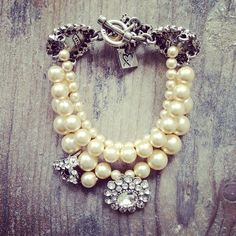 Cream pearl and crystal bracelet