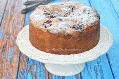 Deze ricottataart met zomerfruit is een heerlijke combinatie van cake, fruit & ricotta. en doet me denken aan kwarkbollen. Eenvoudig met diepvriesfruit.