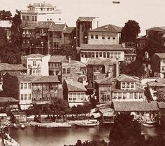 Tarabya Evleri Old Pictures, Old Photos, Empire Ottoman, Urban Architecture, Most Beautiful Cities, Istanbul Turkey, Albania, Once Upon A Time, The Past