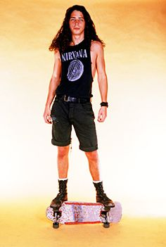 #ChrisCornell He looks like a girly tomboy here...and that is not a bad thing.