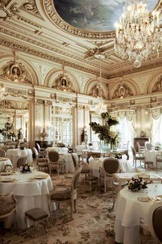 Stunning dining area for the Le Louis XV, a Michelin restaurant, in Hotel De Paris Monte-Carlo. This luxury hotel would be a dream stop on a vacation in Paris! World's Most Beautiful, Beautiful Places, Beautiful Hotels, Piscina Hotel, Hotel Restaurant, Restaurant Lighting, Restaurant Interiors, Hotel Interiors, Restaurant Design