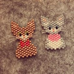 Cats with whiskers Beaded Jewelry Patterns, Bead Loom Patterns, Beading Patterns, Beaded Crafts, Beaded Ornaments, Quilled Creations, Peyote Beading, Beaded Animals, Seed Bead Jewelry