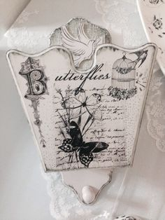 Painting Words, Fabric Painting, Decoupage Wood, Cute Birds, Resin Art, Upcycle, Stencils, Kids Room, Craft Projects