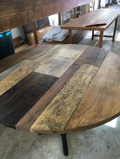 Reclaimed wood round dining table top with multi planks woods and