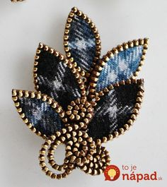 Tartan wool brooch --- ok, this won me over! I may just HAVE to start making some zipper jewelry! Zipper Bracelet, Zipper Jewelry, Fabric Jewelry, Bullet Jewelry, Brooches Handmade, Handmade Jewelry, Jewelry Crafts, Jewelry Art, Gothic Jewelry