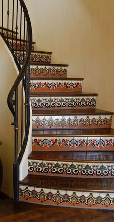 New mexican tile stairs interior design Ideas Spanish Style Homes, Spanish House, Spanish Revival, Spanish Patio, Spanish Colonial Decor, Tile Stairs, Tiled Staircase, Interior Staircase, Basement Stairs