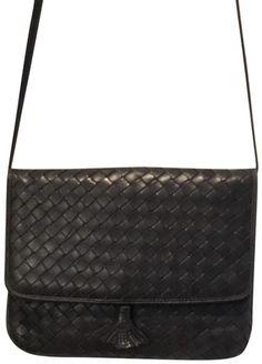 065dce3f739 Bottega Veneta   Clutch Blue Grey Woven Leather Cross Body Bag. Get the  trendiest