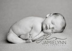 Newborn photo pose